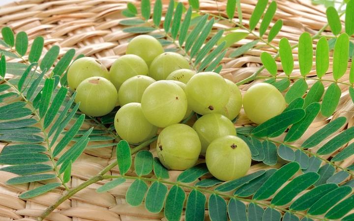 Gooseberries For Glowing Skin