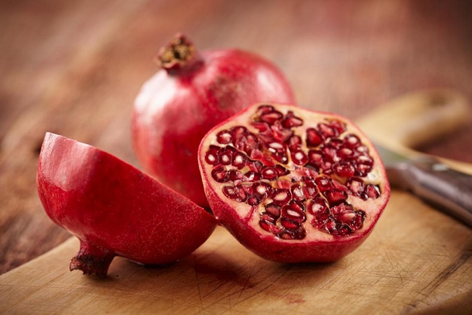 Pomegrante For Glowing Skin